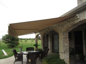 7)Rectractable Awning with Straight Valance-min